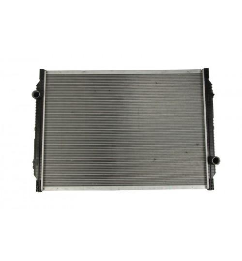 Радиатор охлаждения без рамы RVI PREMIUM  420 DCI 97-  (пр-во Daniparts)